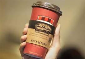 Koffieketen print twitterberichten op bekers