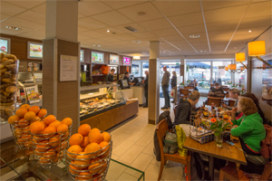 Cafetaria Top 100 nummer 72: Plaza De Stoete, Lisse