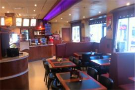 Cafetaria Top 100 nummer 48: Snackbar Peter Loeffen, Oss