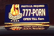 Pornoplaatjes op pizzadoos
