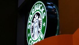 Starbucks weer aangeklaagd om fooien
