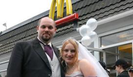 Brits stel viert bruiloft bij McDonald's