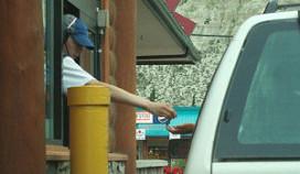 Klant McDonald's wil betalen met wiet