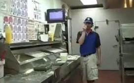 Pizzaviespeuken ontslagen na ranzige video