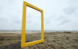 Logo McDonald's op geel frame Terschelling