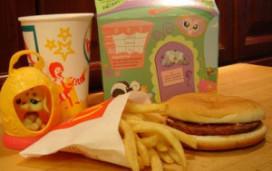 Juridische procedure tegen kinderspeeltjes McDonald's