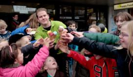 Honderden gratis ijsjes voor scholieren