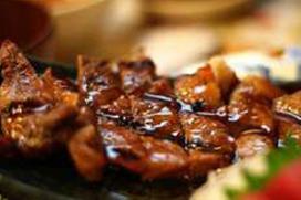 Vlees Selten in kroket, salami en hamburger