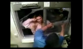 Vrouw flipt volledig na weigering kipnuggets