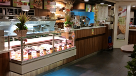 Cafetaria Top 100 2014 nummer 38: Cafetaria Family Oostzaan, Oostzaan