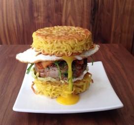 Brussels restaurant maakt hamburger van noedels