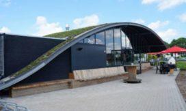 Cafetaria 't Akkertje 'scoort' enorme plus met futuristisch pand
