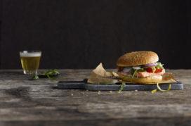 Lantmännen introduceert hamburgerbrood verrijkt met pils