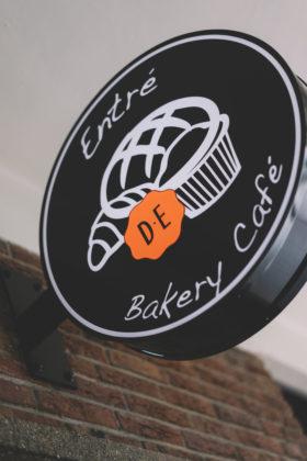 Entre bakery cafe 3 280x420