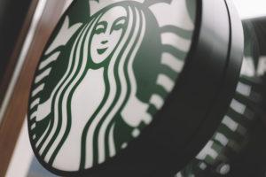 Starbucks opent nieuw concept met volledige bar