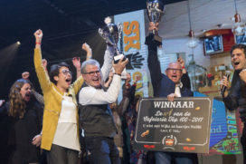Video: 'Kleine buurtcafetaria' Polly wint de Cafetaria Top 100 2017