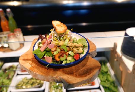 Breed assortiment zorgt voor meer marge uit saus in de cafetaria