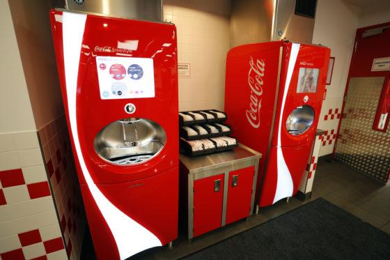 Met de Freestyle machine van Coca-Cola kunnen honderd verschillende drankcombinaties gemaakt worden. © Fotopersburo Bert Jansen