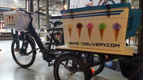 Bij ebike4delivery.com zijn ze nu ook bezig met een ijsdriewieler, met achterop een grote ijscontainer.