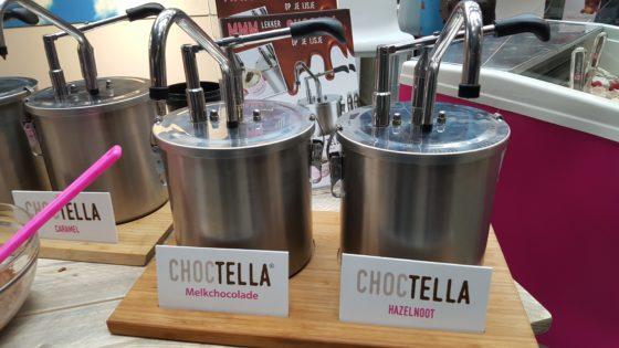 Het Choctella-concept van ForIce. Pompbare chocolade die ondernemers zelf kunnen mixen met allerlei toppings. Doordat de chocolade met zonnebloemolie is gemaakt, behouden de toppings hun samenstelling.