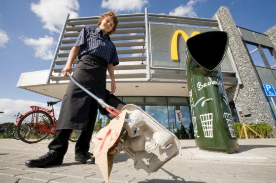 Ook McDonald's ruimt op tijdens Nationale Opschoondag