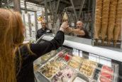 Ambachtelijk ijs: vertrouwde smaken verslaan de hypes