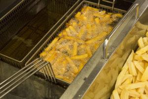 Enquête: bak jij friet volgens de voorschriften?