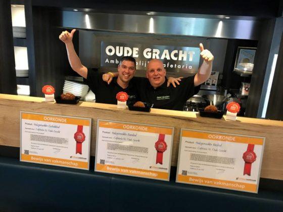 Bedrijfsleider Randy Adam (links) en Harald van Ballegooijen. Foto: Nederlands Frituurcentrum