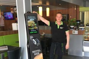 Snackcorner Leerdam eerste Eetwinkel met bestelzuil
