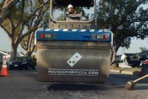 Domino's dicht gaten in de weg om pizza's te beschermen