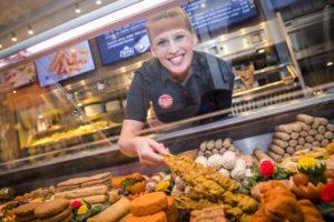 Zo maak je cafetariamedewerkers enthousiast voor jouw bedrijf
