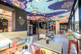 Interieur Flower Burger net zo psychedelisch als de hamburgers