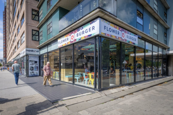 (C) Roel Dijkstra / Joep van der Pal   Flower Burger Rotterdam - Hoogstraat