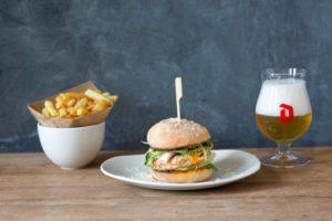 Ellis Gourmet Burger creëert hamburger met worstenmakers