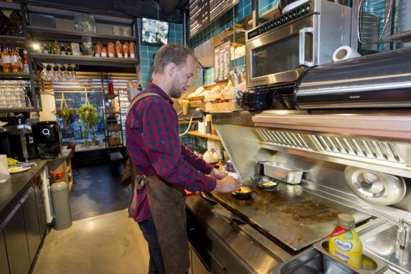 In 2025 meer dan 100.000 mensen in fastfood