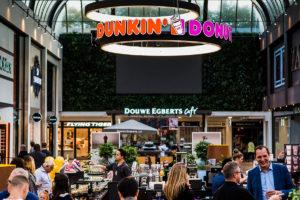 Het nieuwe filiaal van Dunkin' Donuts in Amstelveen.