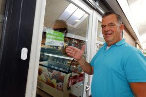 Deur op slot bij Brabantse cafetaria's: 'Het geeft vooral een veilig gevoel'