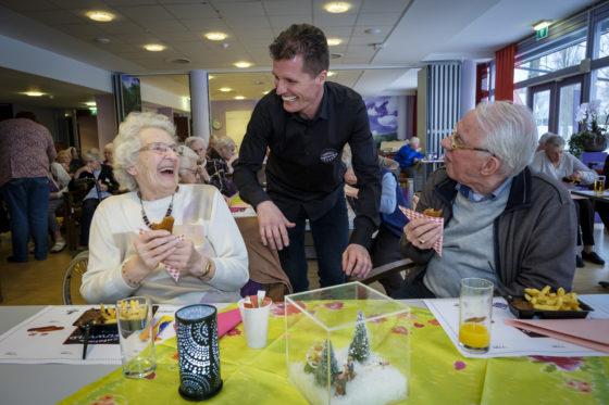 Kwalitaria Nieuwveld brengt ouderen in extase met friet en kroketten