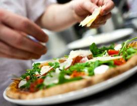 Eerste pizzabakkers ontvangen diploma SVH Pizzaiolo