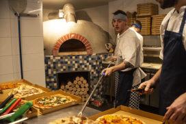 De Pizzabakkers hebben nu ook een vestiging in Amsterdam Noord