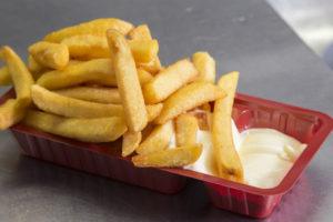 75 bedrijven tekenen Plastic Pact, waaronder maker van frietbakjes