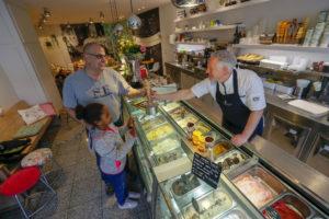 Foto's: Lekkerste koffie-ijs bij Huupkens