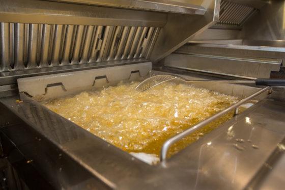 'Kijk verder dan de kosten van frituurolie'