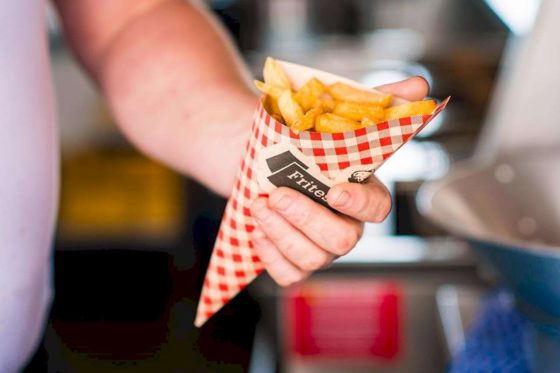Par Hasard opent friterie in Alkmaar