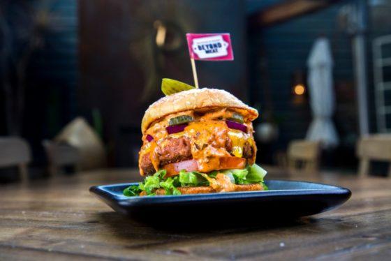 Beyond Meat gaat plantaardige hamburgers in Nederland maken