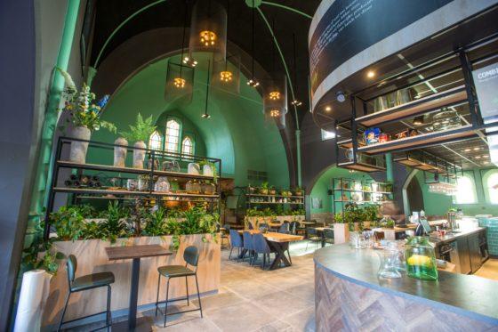 Uniek in cafetarialand: Family Axel opent in kerk