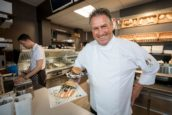 Onderscheidende sauzen bij Grandfetaria: 'Het gaat áltijd om smaak'