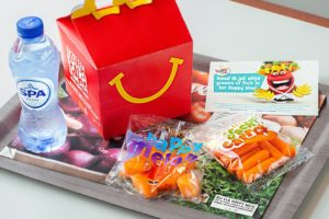 McDonald's stopt voortaan altijd groente of fruit in Happy Meals