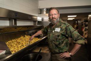 Arn Zuyderduin: Patat eet je met…