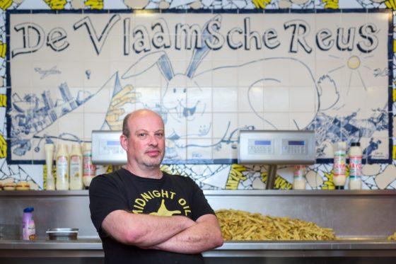 Bert Vink: 'De platen en de tegels maken de zaak uniek.' Foto: Dutch Photo Agency / Sebastiaan Rozendaal